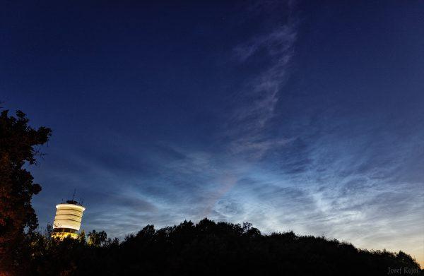 Noční svítící oblaka nad Hradcem Králové 4.7.2021